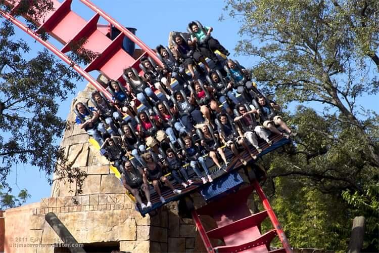 Parque Busch Gardens em Tampa: montanha-russa SheiKra