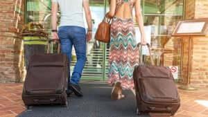Como arrumar a mala e o que levar para Orlando: itens essenciais