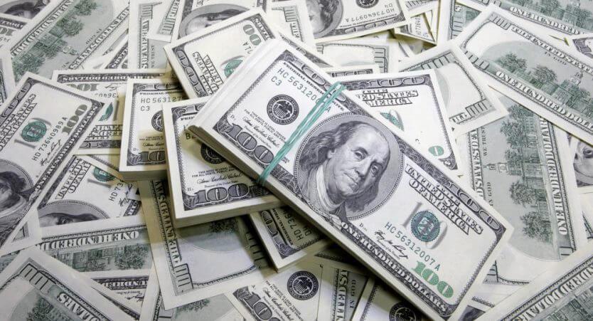 Como levar dinheiro para Orlando: onde comprar dólares