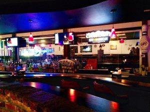7 destaquesem Downtown Orlando: Colonial Lanes