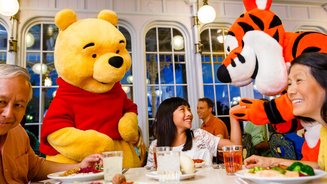 Restaurantes com personagens em Orlando: restaurante Disney Crystal Palace