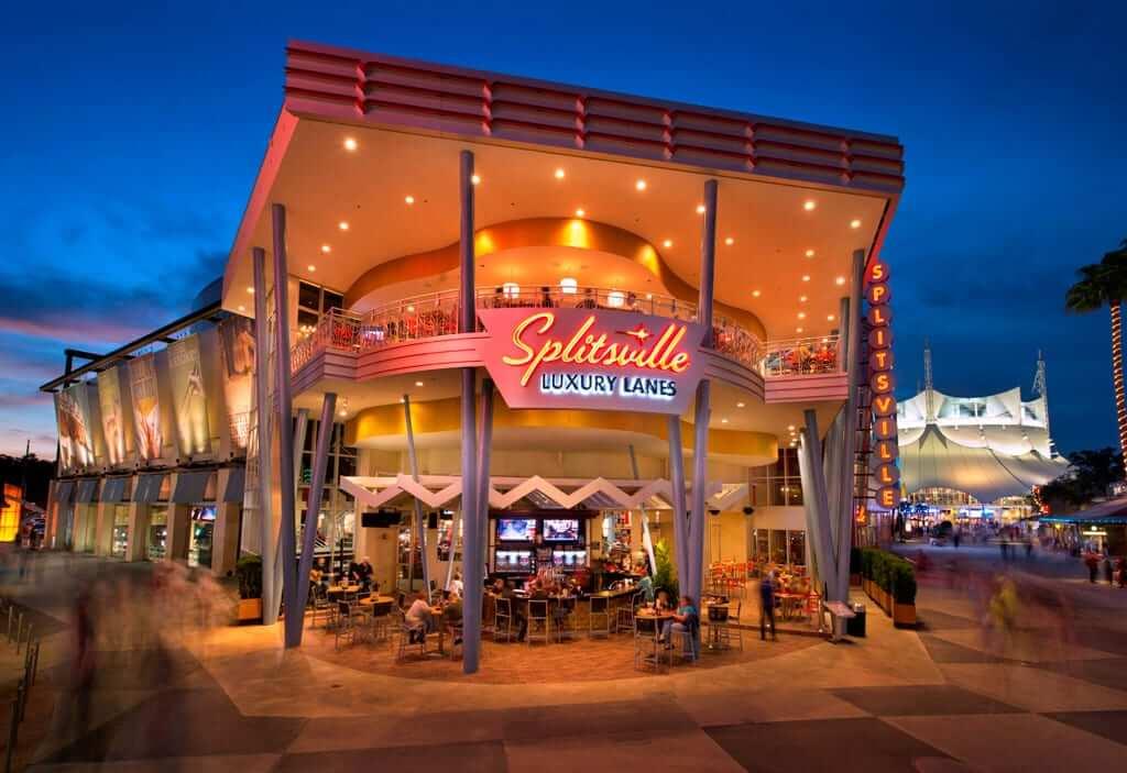 Disney Orlando para adolescentes: boliche Splitsville Luxure Lanes