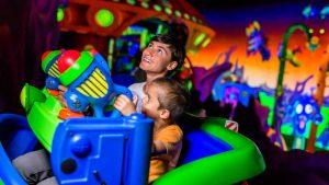 7 atrações e brinquedos do Parque Disney Magic Kingdom Orlando: Buzz Lightyear's Space Ranger Spin