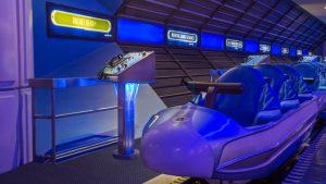 7 atrações e brinquedos do Parque Disney Magic Kingdom Orlando: montanha-russa Space Mountain