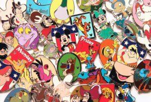 Melhores presentes para comprar na Disney e Orlando: pins (broches) e chaveiros da Disney