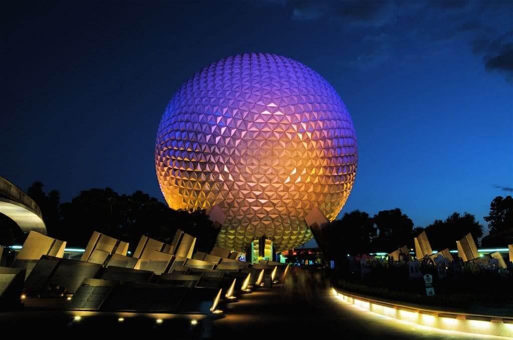 Área Future World do Disney Epcot em Orlando: Spaceship Earth