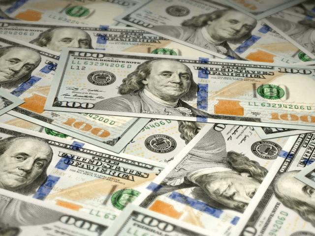 Tudo sobre as notas de 100 dólares em Orlando
