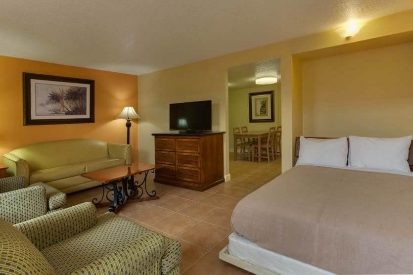 Hotel Celebration Suites: suíte por dentro