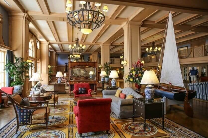 Disney's Yacht Club Resort: lobby