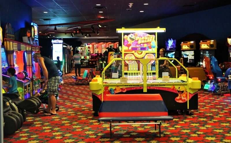 Disney's Pop Century Resort: Fast Forward Arcade