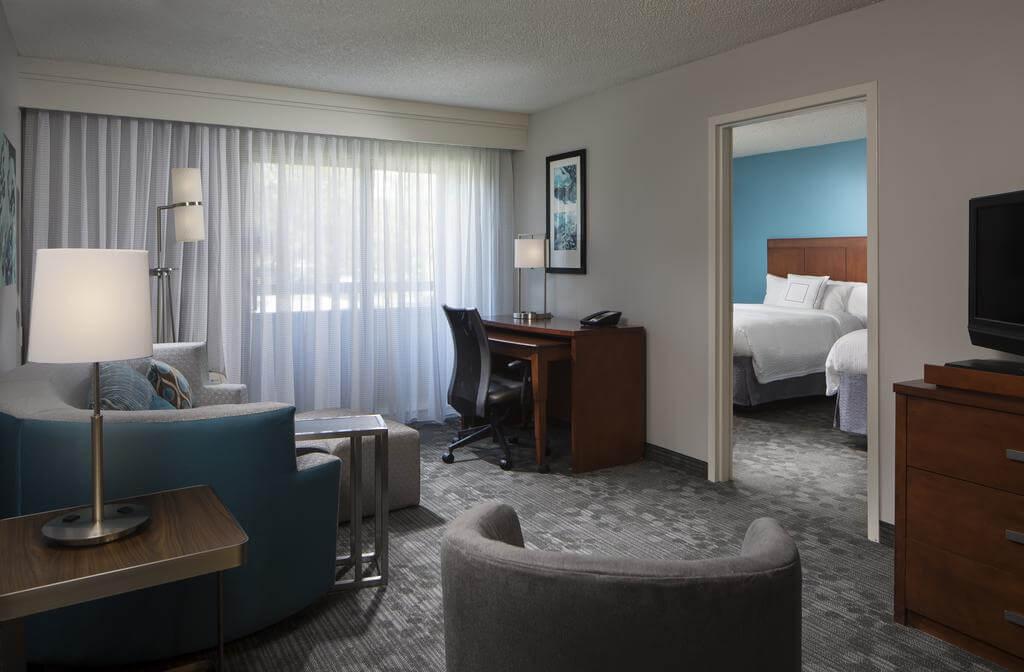 Hotéis bons e baratos em Boca Raton: HotelCourtyard - quarto