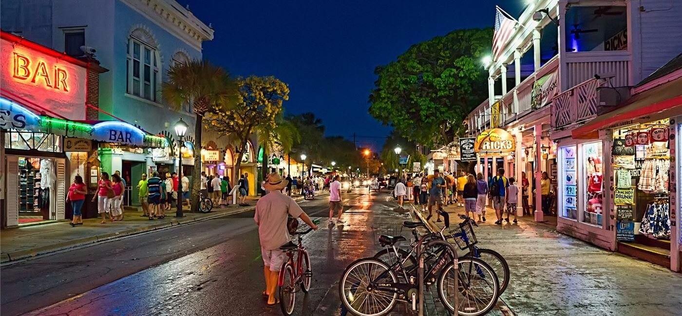 O que fazer à noite em Key West: Duval Street