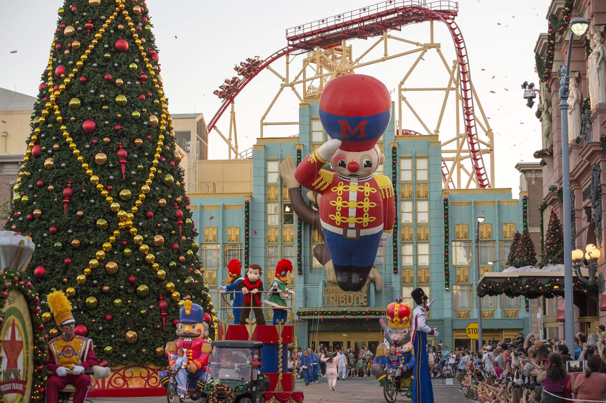 Natal na Universal Orlando em 2019: Universal's Holiday Parade no Universal Studios