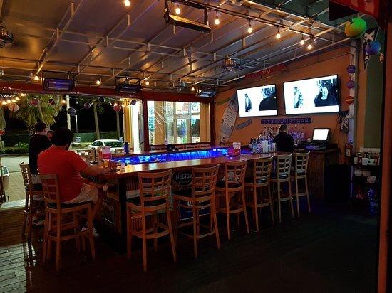 O que fazer à noite em Clearwater: bar Brown Boxer South Beach