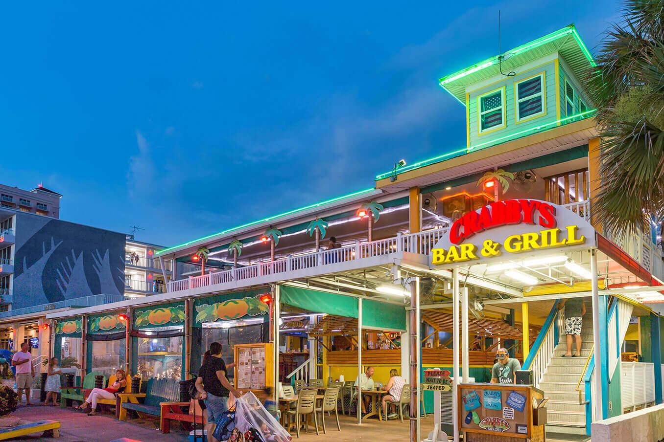 O que fazer à noite em Clearwater: restaurante Crabby's Bar & Grill