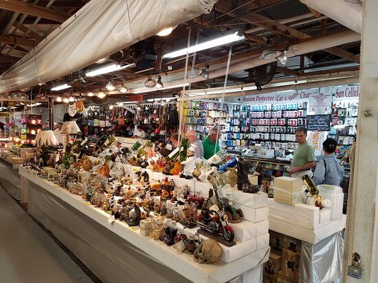 Compras em Daytona Beach: Daytona Flea and Farmers Market