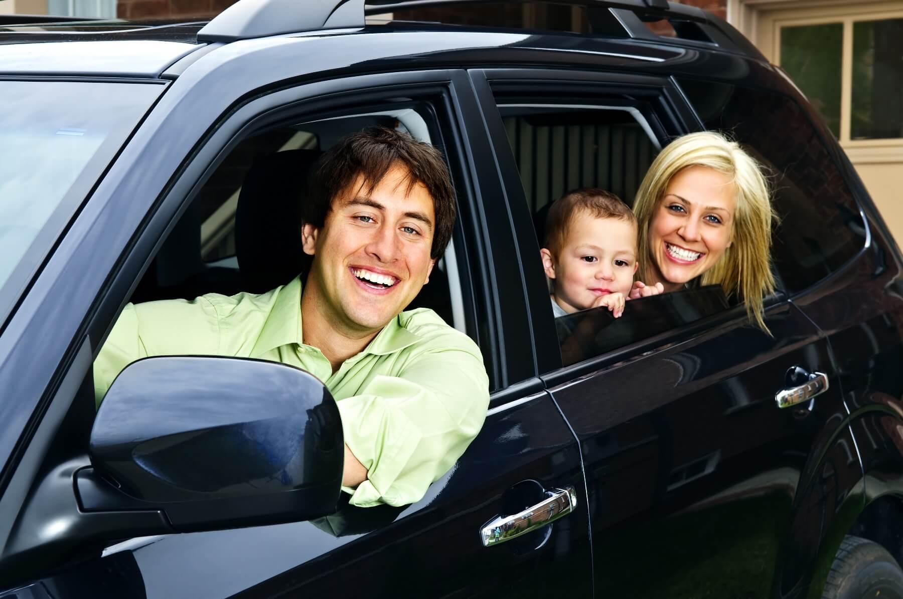 Aluguel de carro em São Petersburgo: Economize muito: família