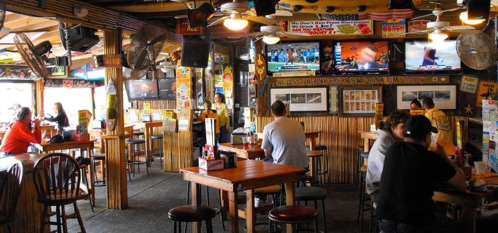 Restaurantes em Cocoa Beach: bar-restaurante Sandbar Sports Grill