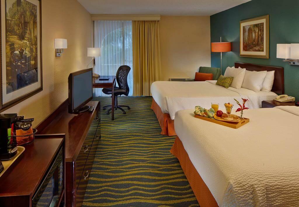 Hotéis bons e baratos em Palm Beach: Hotel Fairfield Inn and Suites by Marriott - quarto