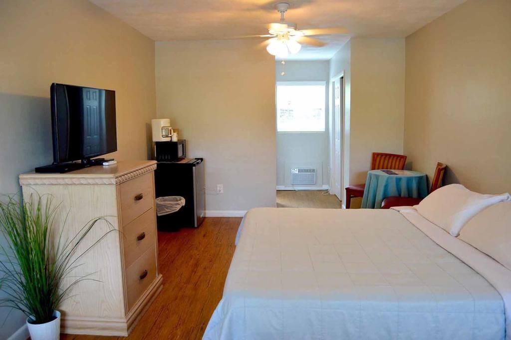 Hotéis bons e baratos em Clearwater: Motel Sta 'n Pla Marina Resort - quarto
