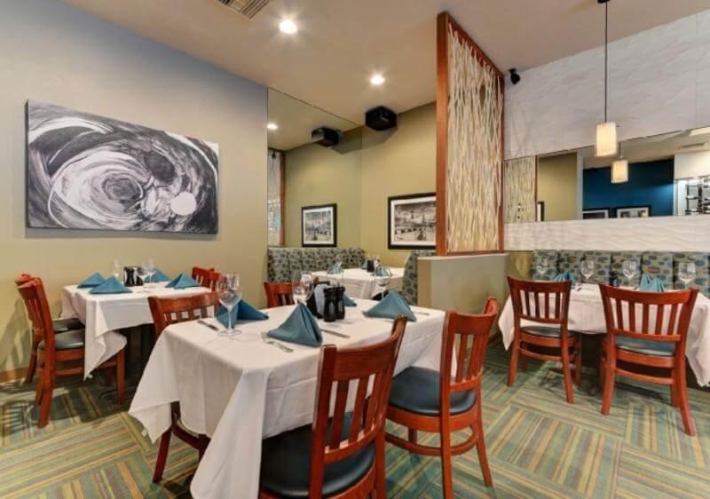O que fazer à noite em Sarasota: restaurante Duval's Fresh. Local. Seafood.