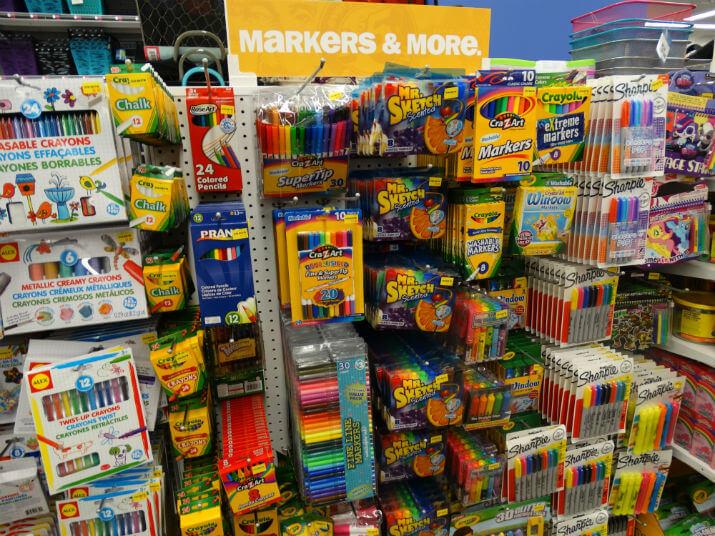 Loja Five Below em Orlando: itens de papelaria