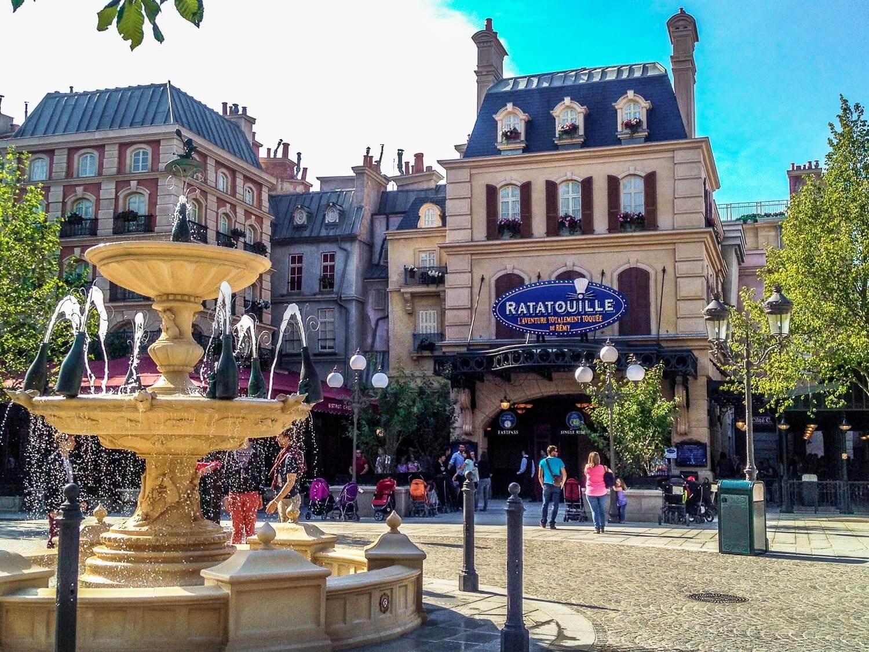 Atração de Ratatouille no Epcot da Disney Orando: atração de Ratatouille na Disneyland Paris