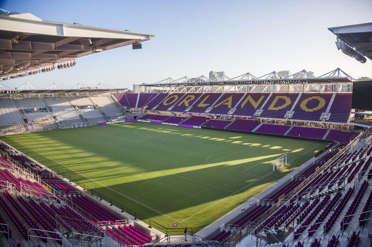 Assistir a um jogo de futebol feminino em Orlando: Orlando City Stadium