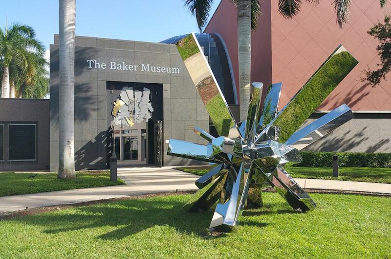 Pontos turísticos em Naples: Baker Museum