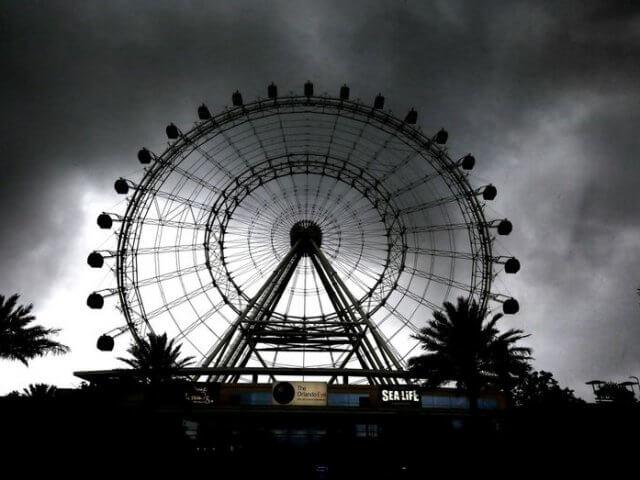 Época de furacões em Orlando