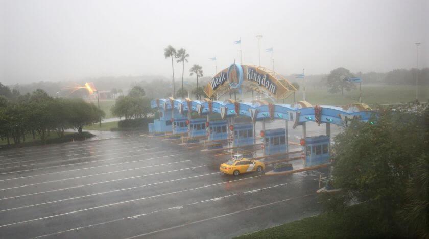 Época de furacões em Orlando: parques temáticos