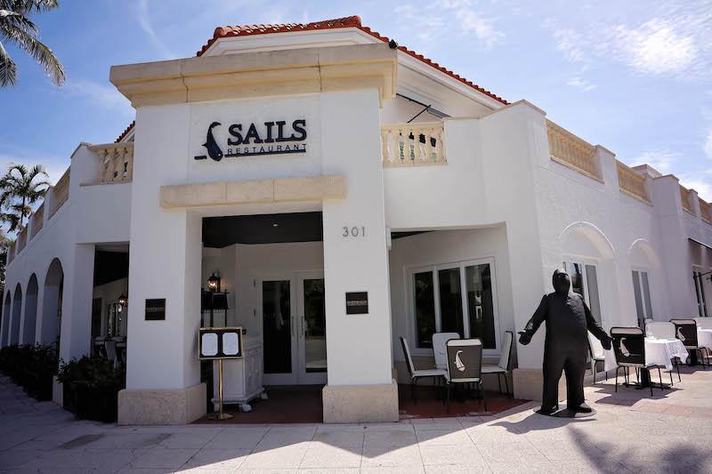 Restaurantes em Naples: Sails Restaurant