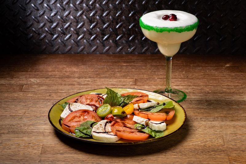 Jock Lindsey's Holiday Bar na Disney Springs em Orlando: comida