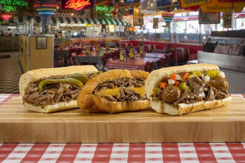 Restaurante Portillo's em Orlando: cachorros-quentes