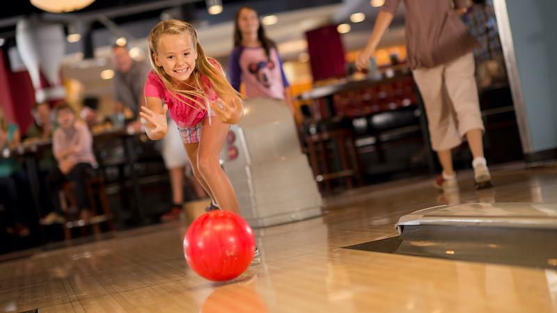 Disney Orlando para crianças: boliche Splitsville Luxure Lanes