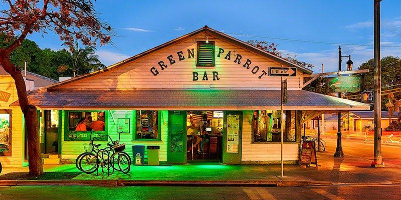 7 bares e casas noturnas em Florida Keys: Green Parrot Bar em Key West