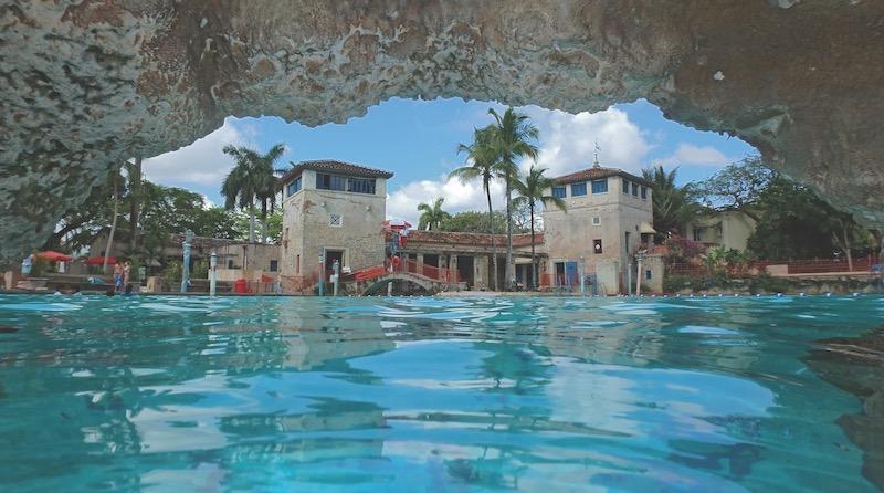 Venetian Pool em Coral Gables: gruta