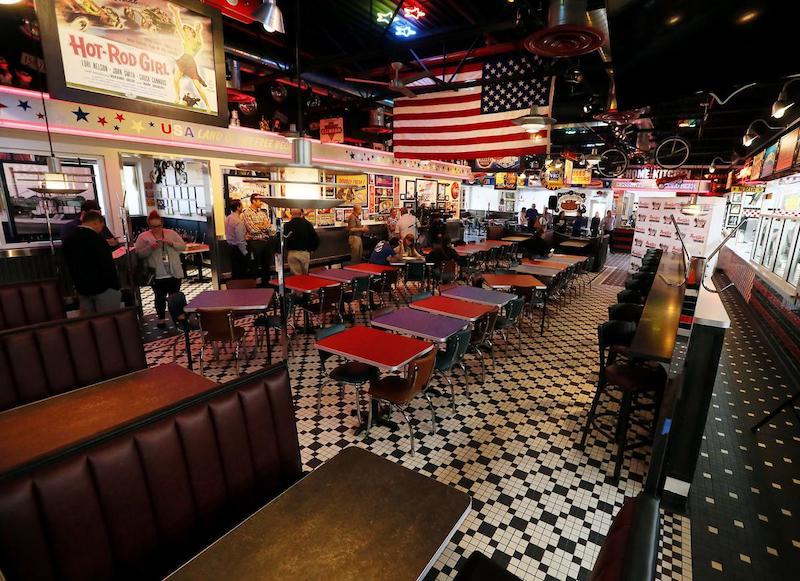 Restaurante Portillo's em Orlando: interior