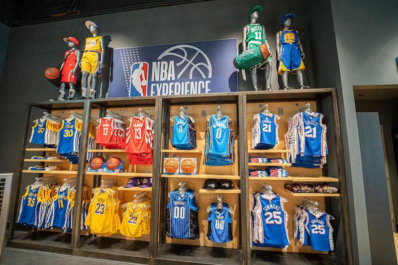 Loja NBA Store na Disney Springs: produtos da NBA Experience