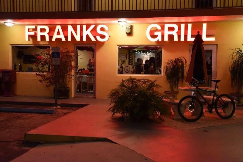 7 restaurantes em Florida Keys: restaurante Frank's Grill em Marathon
