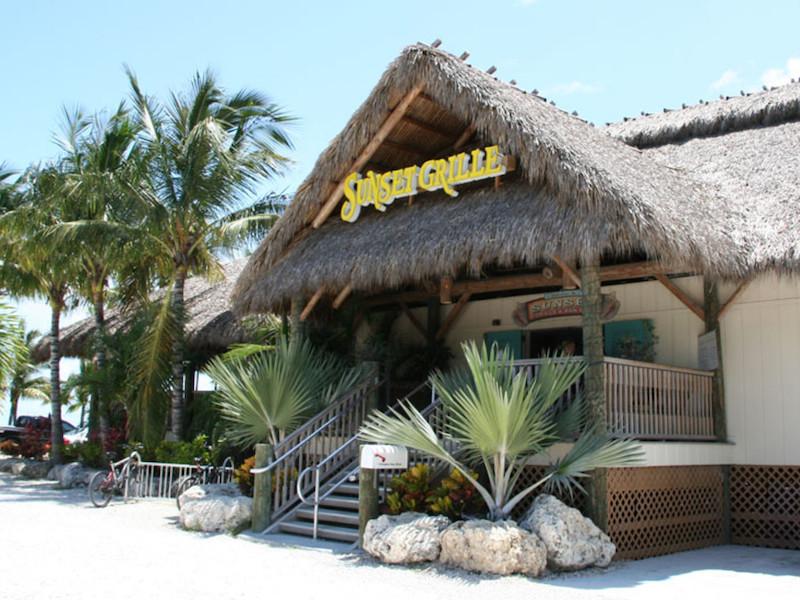 7 bares e casas noturnas em Florida Keys: Sunset Grille & Raw Bar em Marathon