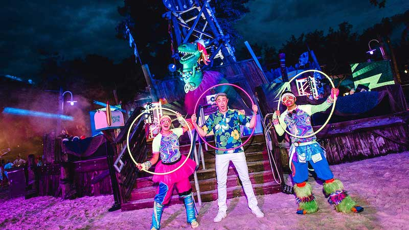 H2O Glow Nights no Typhoon Lagoon em Orlando em 2020