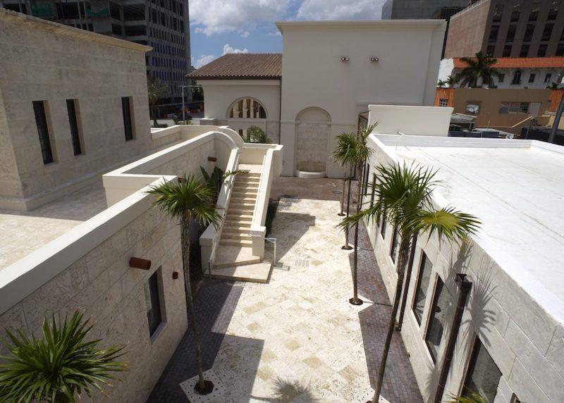 Museu Coral Gables na Flórida: área externa