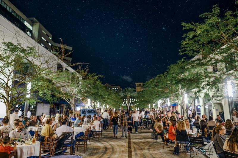 Compras em Coral Gables: Giralda Plaza